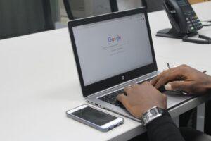 Suche online nach freelancer