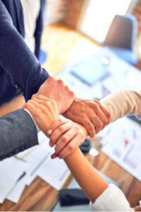 Mitarbeiter, die sich vernetzen